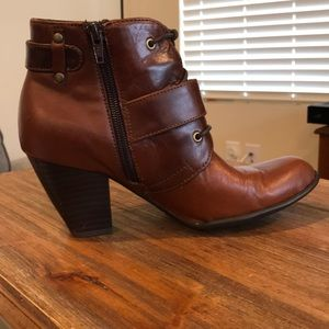 Born Leather Ankle Bootie